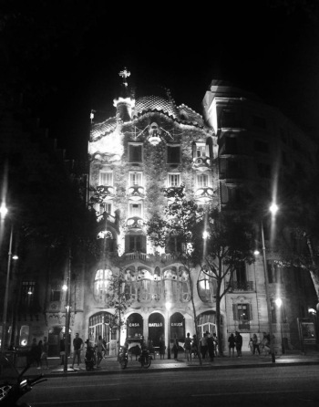 Casa Batllò by night